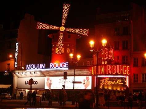 сabaret moulin rouge travelling through europe