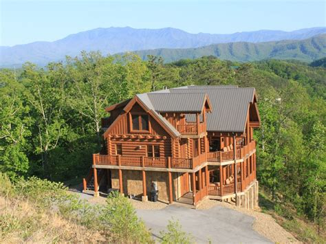 Majestic Cabin In Pigeon Forge Tn by Pigeon Forge Vacation Rental Vrbo 452237 5 Br East
