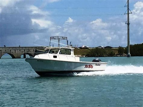 saltwater fishing boat with cabin 1996 used parker 2520 xld sport cabin saltwater fishing