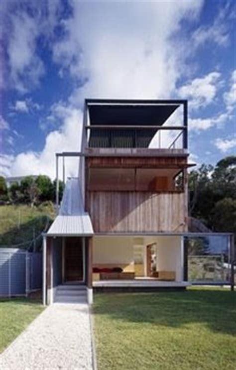 cocheras michel arquitectura de casas vivienda de madera escalonada en