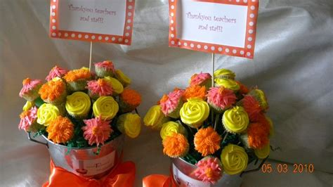 funny cup cake 1597 90 best images about celebration cakes cupcakes on