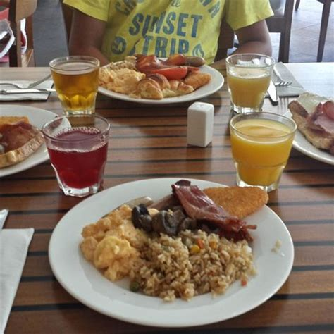 buffet breakfast picture of reef view hotel hamilton