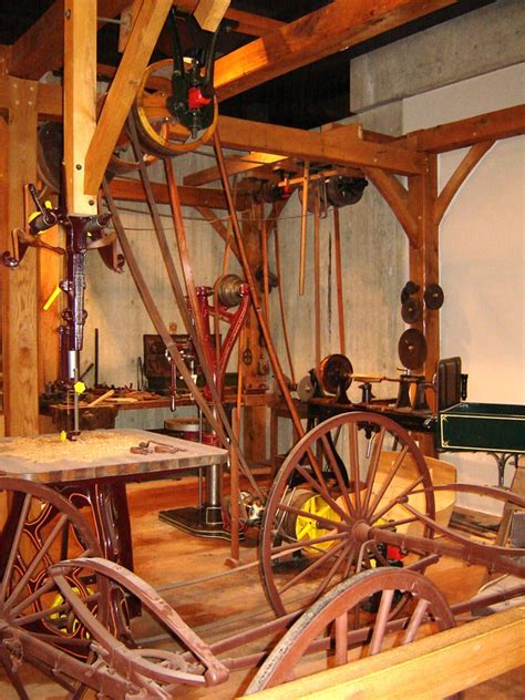 File belt and pulley wood shop jpg wikimedia commons