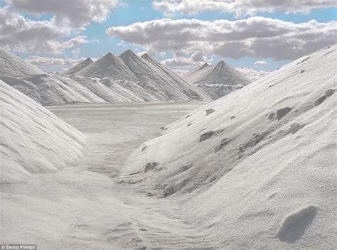 Eerie pictures show abandoned salt mine in west australia s nullabor
