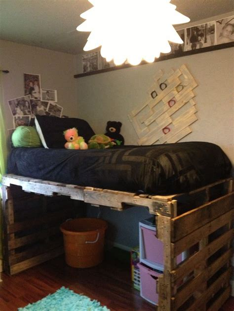 kids pallet bed best 25 pallet loft bed ideas on pinterest loft bed
