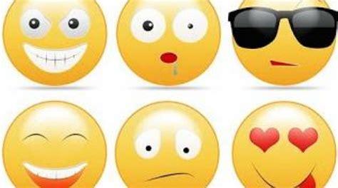imagenes emoticonos lista de emoticonos que se pueden usar en facebook trecebits