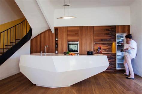 id馥 am駭agement cuisine petit espace mod 232 les de cuisine moderne qui jouent avec la g 233 om 233 trie