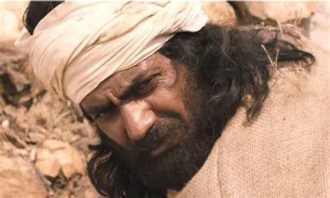 biography of manjhi movie nawazuddin siddiqui s manjhi the mountain man is sure