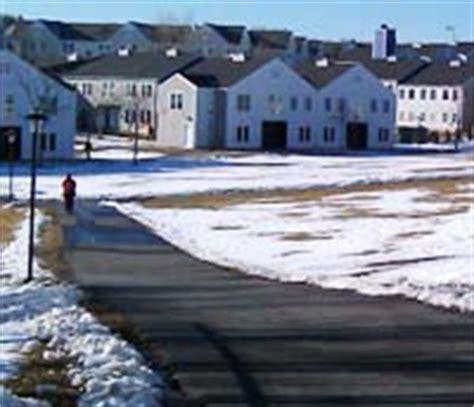 ratings for village apartments at university of hartford