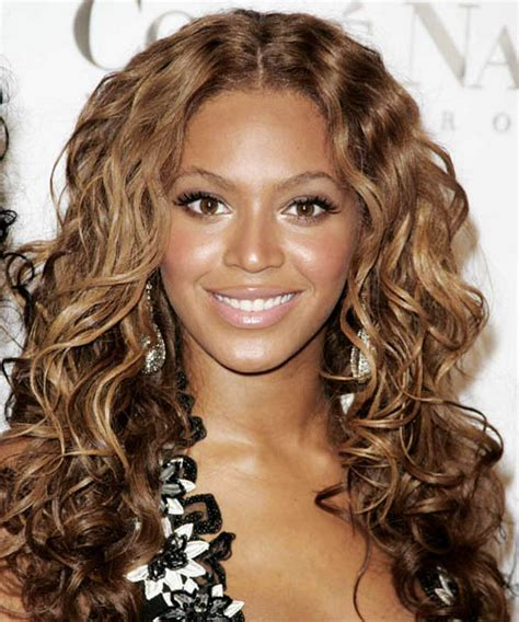 beyonce knowles hair colors beyonce knowles long curly casual hairstyle medium