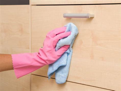 consejos  quitar la grasa de los muebles de la cocina