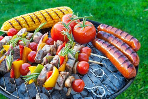 backyard cookout 4 tips to surviving the family bbq saving dinner