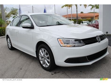 volkswagen sedan white 2014 pure white volkswagen jetta se sedan 120852121 photo