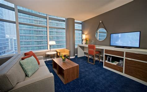 hotels downtown chicago with in room hotel chicago il hospitality