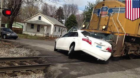 train crashes into car fatal accident captured on video