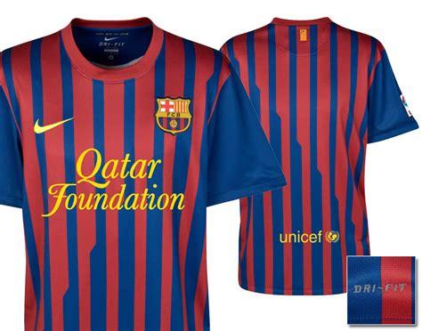 Jaket Barca Logo Di Dada Qatar jersey terbaru fc barcelona barca 2011 2012 just kick it