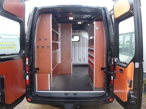 inbouwkast caddy autohout bedrijfswageninrichting carrosserie en lakken