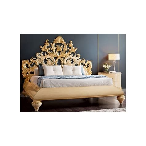 pied de lit baroque lit baroque et t 234 te de lit de luxe capitonn 233 e 2 personnes