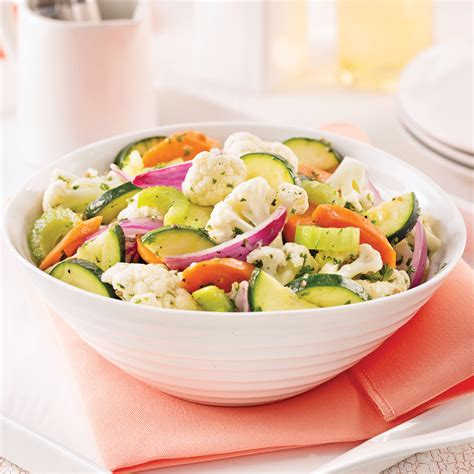 cuisine choux fleur salade de chou fleur carottes et courgettes marin 233 es
