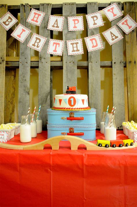 Party Reveal First  Ee  Birthday Ee   At Gymboree Play Music