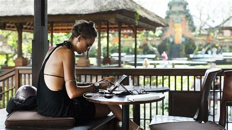 the digital nomad s guide to the world 2018 14 destinations in depth profiles books the digital nomad s guide to working from anywhere on earth