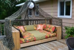 Outdoor Daybed Designs Diy 10 Diy Pallet Outdoor Furniture Diy Craft Projects