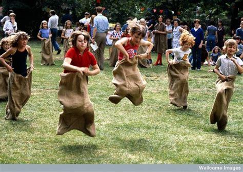 10 fun and modern kids super fun old fashioned games for modern kids