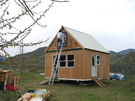 how to build a small house 16x16 cabin quotes