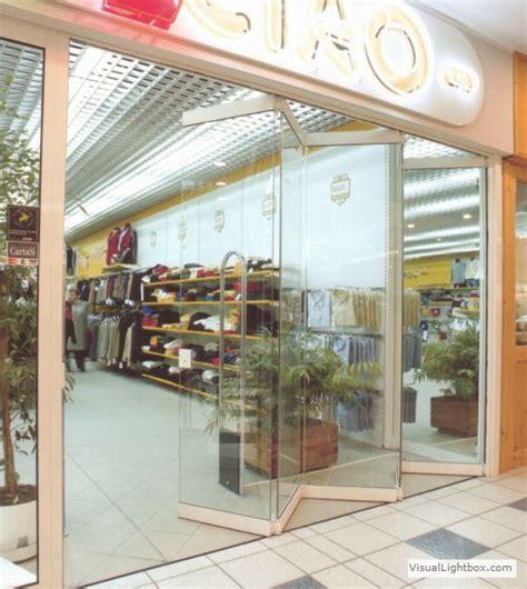 veranda apribile vetrine per negozi chiusure per attivit commerciali