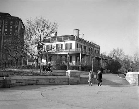 gracie mansion a history of nyc s mayoral residence