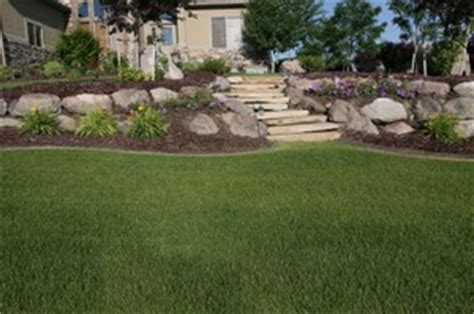 Backyard Hill Ideas by Pin Steep Backyard Retaining Wall On