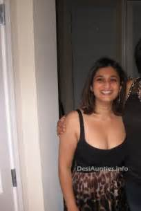 Indian hot dating night club pub girls aunties boobs lesbian is a