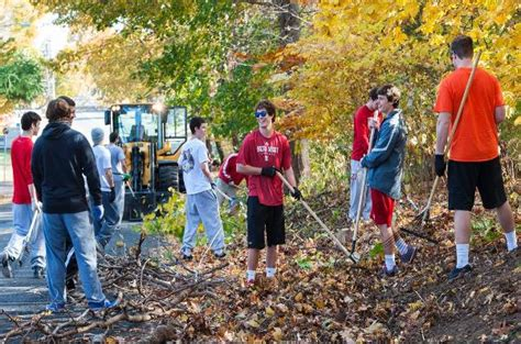 Student Service Projects On Community men s lacrosse completes two fall community service projects sacred