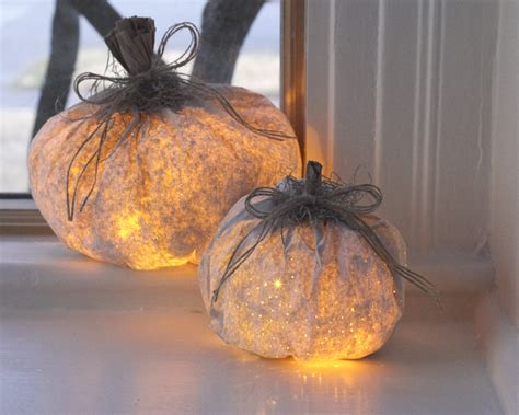 Paper Pumpkins - paper pumpkin luminary decorations bigdiyideas