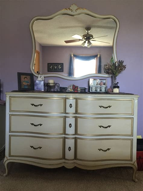 vintage french provincial bedroom furniture i have a vintage drexel french provincial bedroom