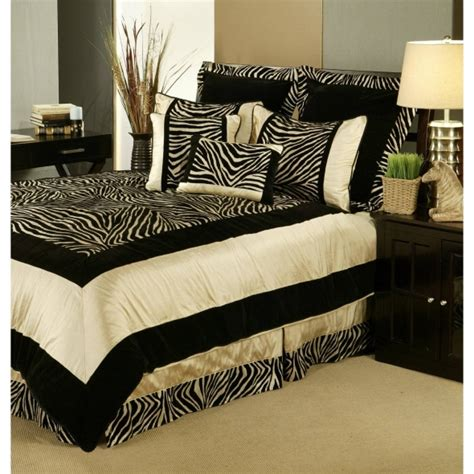 Zebra Print Bedroom Decorating Ideas by Zebra Bedroom Decor For Room Interior Fans