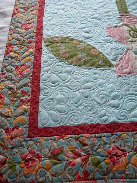 How To Machine Quilt Feathers by Longarm Quilting Swirls Feathers And Pebbles Quilting