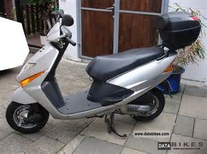 Honda Scv100 2006 Honda Scv100 Lead Moto Zombdrive