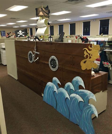 the boat office best 25 halloween cubicle ideas on pinterest halloween