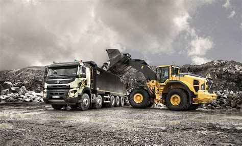 volvo truck of the year 2016 volvo trucks showcase construction truck innovations at