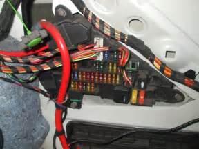 bmw 1 series car battery location