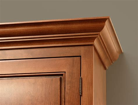 Kitchen Cabinet Door Trim Molding Cliqstudios Classic Ceiling Crown Molding Is The Compliment To Any Kitchen Cabinet Door