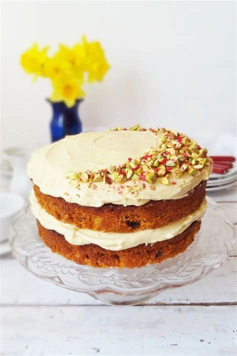 25  best ideas about Carrot cake decoration on Pinterest