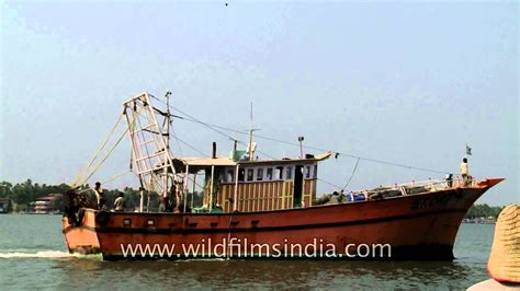 boat r gulf harbour fishing boats at munambam harbour vypeen island youtube