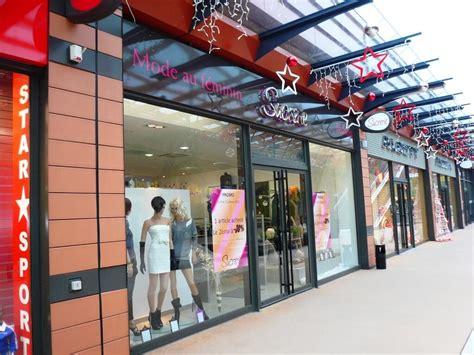 les armoiries horaires enseigne lumineuse magasin pr 234 t a porter sucrerie les armoiries en inox poli miroir