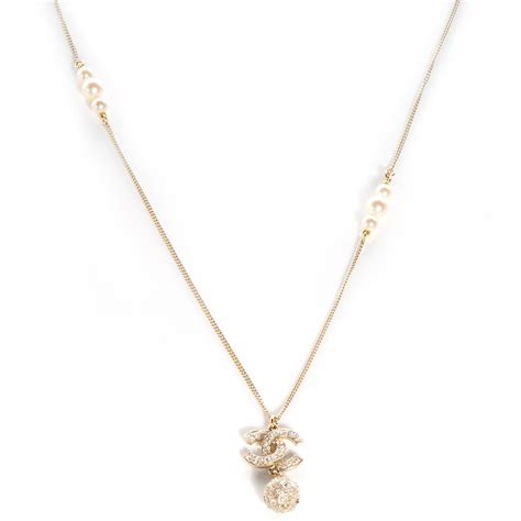 chanel pearl cc pendant necklace gold 69567