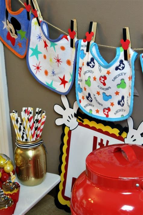 Disney Baby Shower Theme by A Disney Themed Baby Shower Olive Co