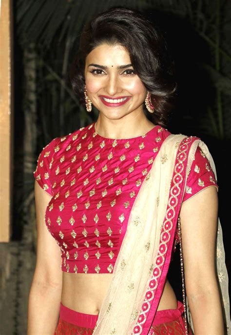 Blouse Saku 1 94 best images about hotpussy on actresses sonam kapoor and