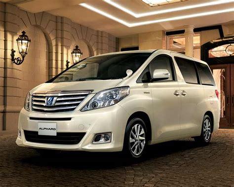 Mpv Toyota Toyota Alphard Hybrid Mpv Might Come To India
