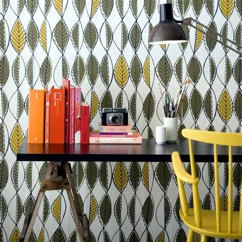 Installation in retro style ? furniture and the colors of